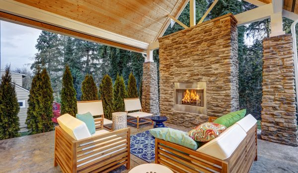 What Are The Pros And Cons Of Teak Outdoor Furniture?