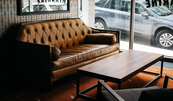 Why Leather Lounges Make a Perfect Domestic Fit For Residents
